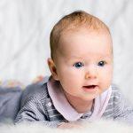 Emekleyen bebe resimleri