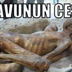 Firavun secde ederken ceset resimleri