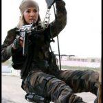 Bordo bereli özel harekat kız