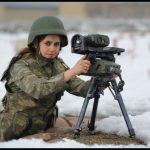 Kız türk askeri