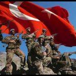 Türk askeri türk bayrağı