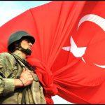Türk bayrağı türk askeri