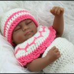 Esmer kız bebek