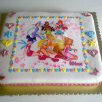 Renkli doğum günü pastası