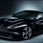 Siyah spor araba
