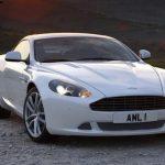 Beyaz bayan araba resimleri